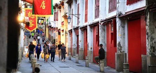 【澳門景點】紅窗門街(福隆新街)/新華大旅店~一條有著濃郁東方味的復古街弄 @Via's旅行札記-旅遊美食部落格