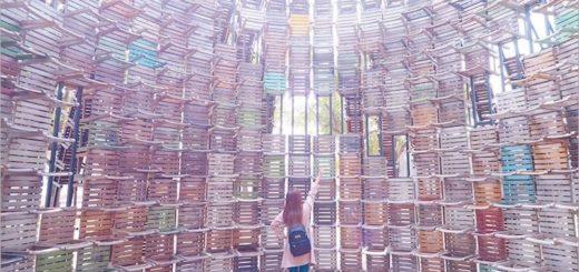 【高雄IG景點】椅子樂譜~上千張的椅子結合成壯觀的藝術品!網美們拍照必去的打卡景點! @Via's旅行札記-旅遊美食部落格