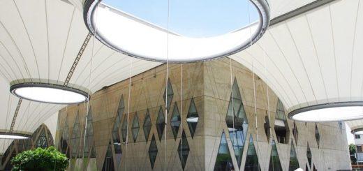 【高雄景點】大東文化藝術中心~熱氣球座椅特色建築IG拍照熱點 @Via's旅行札記-旅遊美食部落格