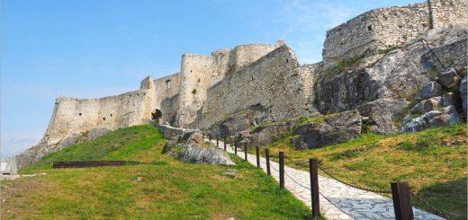 【斯洛伐克旅遊】世界文化遺產景點|中歐最大城堡遺跡好美~Spis Castle斯皮什城堡+Spissky salas餐廳 @Via's旅行札記-旅遊美食部落格
