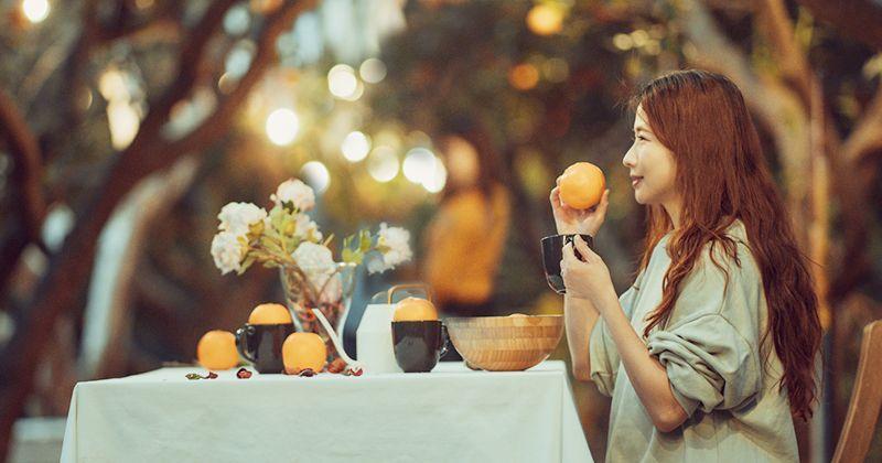 苗栗頭屋》橙香森林景觀餐廳~橘子隧道異國風,迷人夕陽夢幻打卡點,喜歡拍美照必來! @Via's旅行札記-旅遊美食部落格